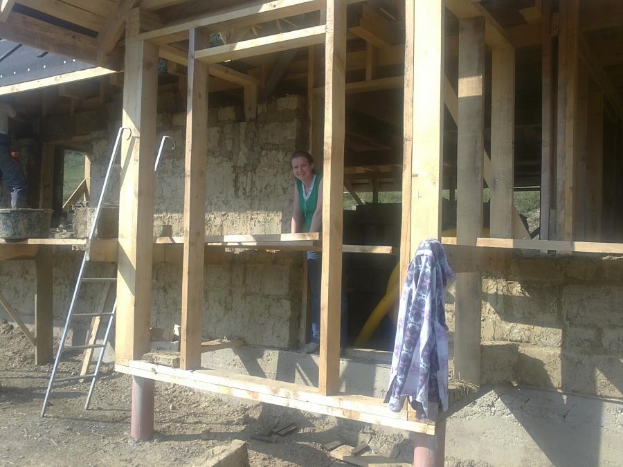 dom z gliny fundament bieszczady baligród