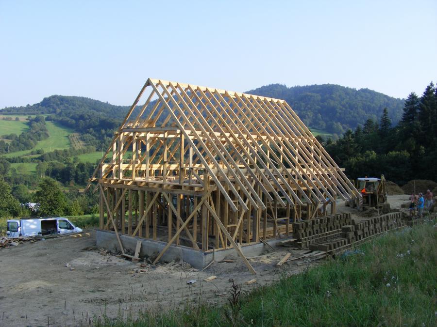 dom z gliny baligród bieszczady
