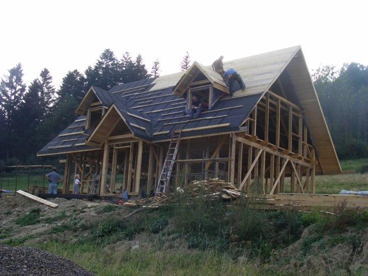 dom z gliny, baligród chata z gliny
