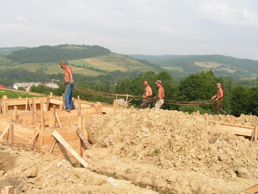 fundament dom z gliny