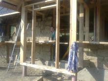 dom z gliny i słomy chata w bieszczadach dom w bieszczadach do wynajęcia pokoje